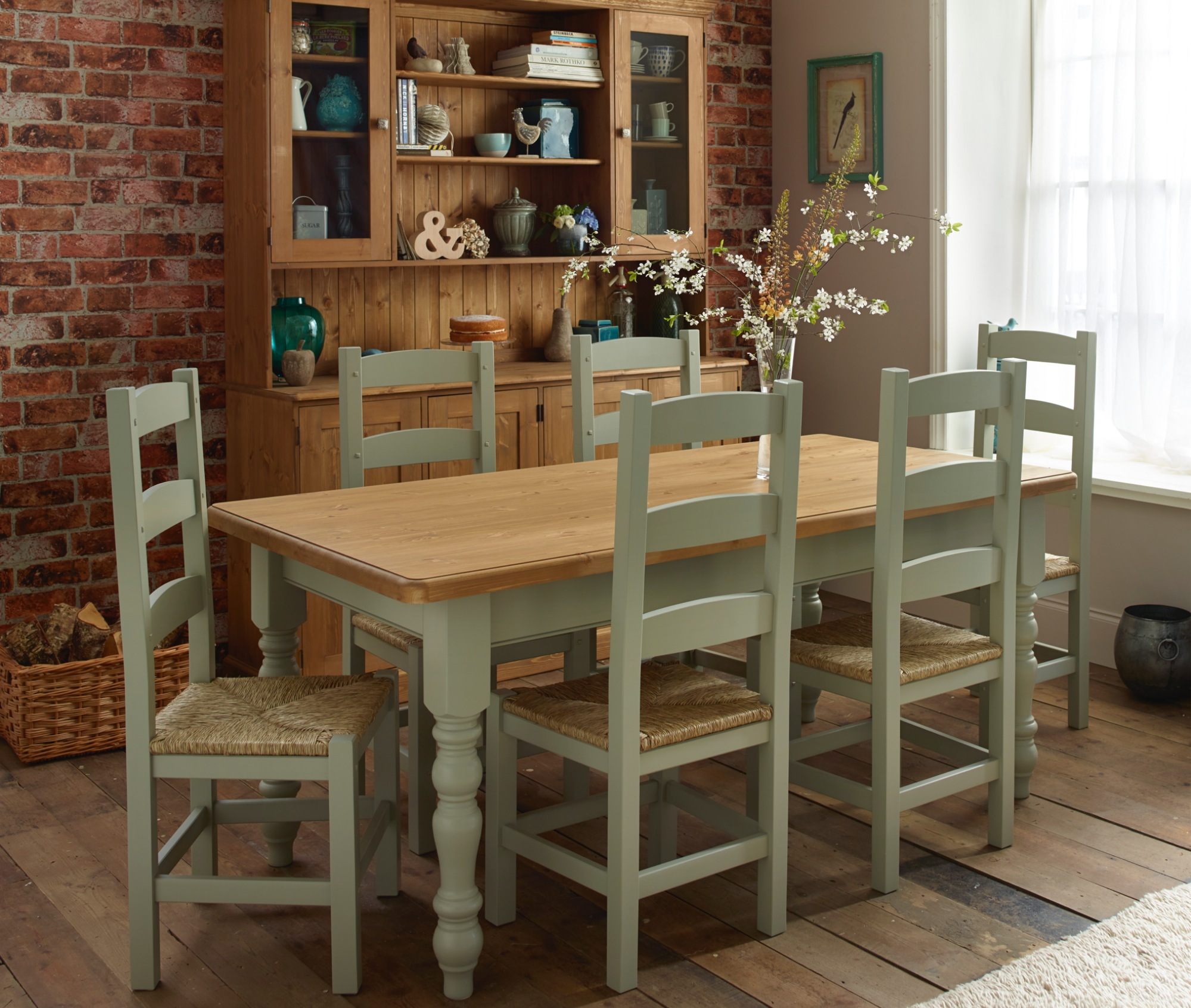 Village Green Avebury Farmhouse Table U0026 Painted Ladder Chairs